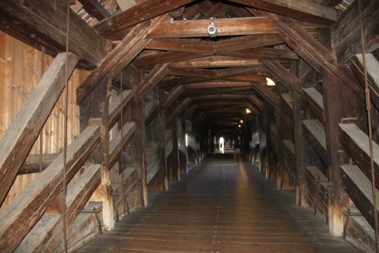 Bad Säckingen, Deutschland: мост внутри из дерева