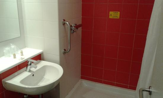 Manises, Spanje: Platod e ducha resbaladizo