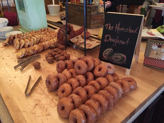 Hot Springs, VA: Amazing donuts at the Omni Homestead