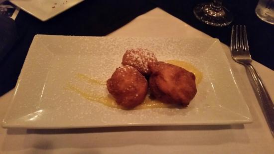 เอเพ็กซ์, นอร์ทแคโรไลนา: Lemon Ricotta Fritters