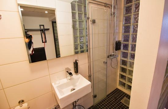 Badrum badrum litet : Litet badrum - Picture of Quality Hotel Lapland, Gallivare ...