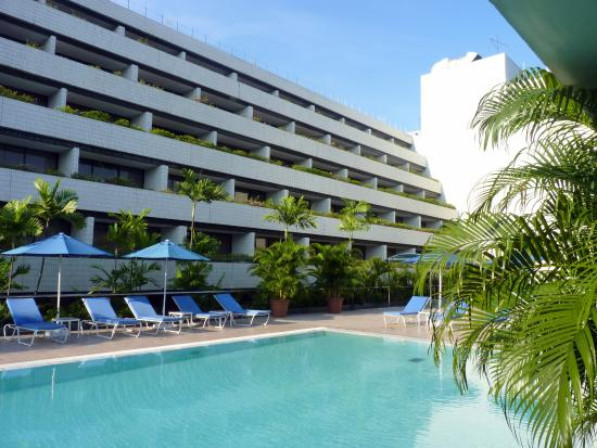 hotel outdoor pool. Concorde Hotel Singapore: The Outdoor Swimming Pool T