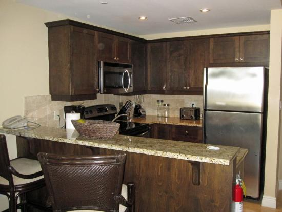Villa del Mar : Kitchen in 2 bedroom suite