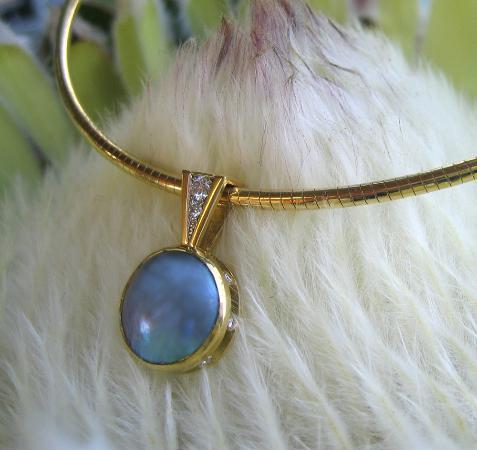 Picton, Nueva Zelanda: Brereton Pearl and Diamond pendant