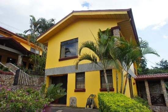 Grecia, Costa Rica: Side view of one building