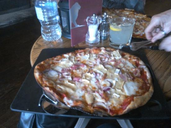 Tenterden, UK: Pizza Italian style