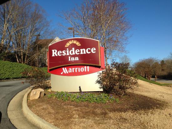 Residence Inn Macon: Entrance From Sheraton Rd