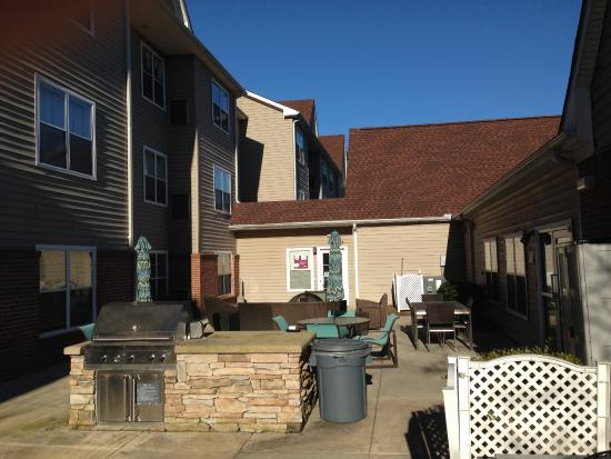 bbq grill for guests picture of residence inn macon macon rh tripadvisor com