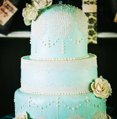 Whitewater, WI : Beautiful wedding cakes...
