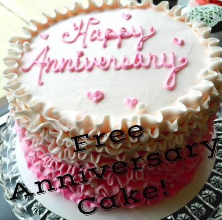 Whitewater, WI: Free 1 Year Anniversary Cake with Wedding Cake Purchase