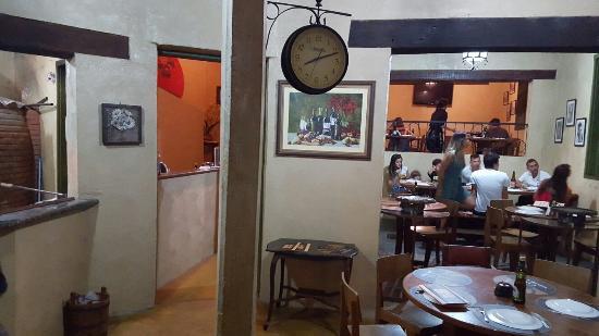 Jarinu: Interior da Pizzaria: decoração de bom gosto!
