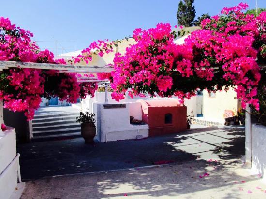 Karterádhos, Grecia: Caveland