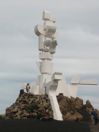 San Bartolome, España: The monument - able to climb up
