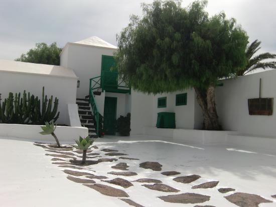 San Bartolome, España: Property