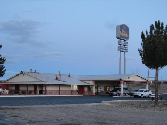 Deming, NM: From the onsite truck parking - rooms to the left - this is lobby & breakfast area.