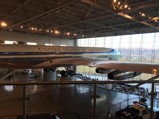 Simi Valley, Califórnia: The actual Air Force One that transported the Reagans