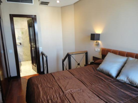 Hotel Villa Real: Dormitorio de una junior suite duplex