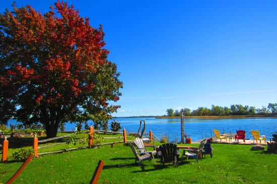 Wellington, Canada: Fall is one of the best season to visit us