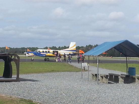 ДеЛанд, Флорида: Deland paracaidismo