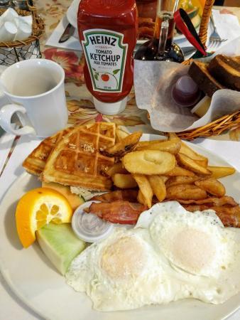Cafe Campagne : Déjeuner Royal 14,75$