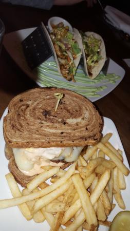 Chardon, โอไฮโอ: Patty Melt & Fish Taco's