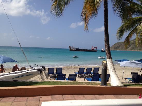 Divi Little Bay Beach Resort: Beach view from our patio