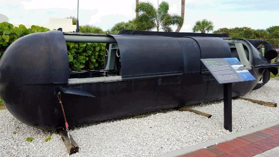 Fort Pierce, FL: Underwater delivery vehicle