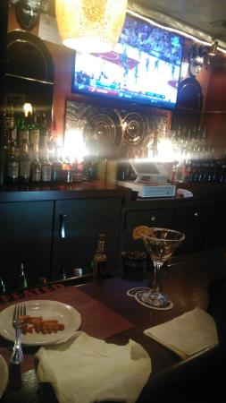 Акрон, Огайо: I feel like I'm back home again in NewOrleans..great food nice jazz music very pleasant place to