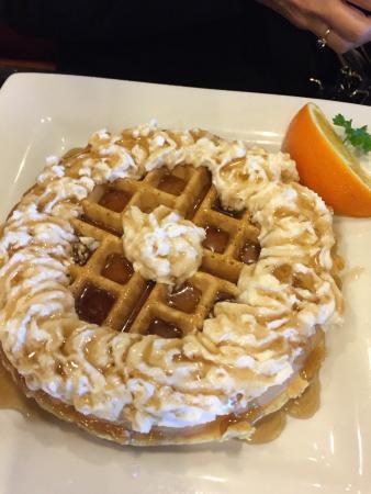 Keke's Breakfast Cafe: Pretty waffles