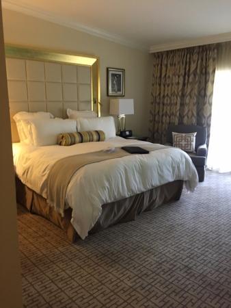 Doral, FL: King bed