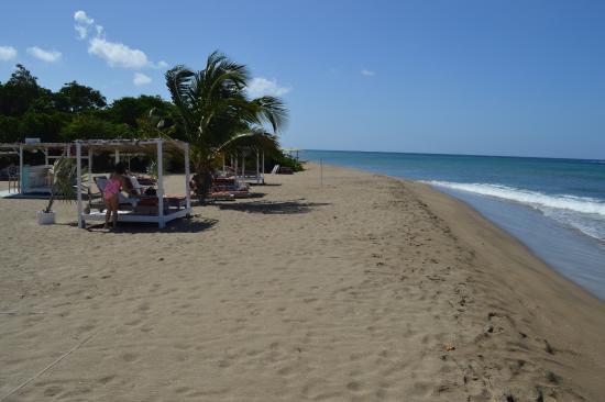 Nevis: Beach cabanas