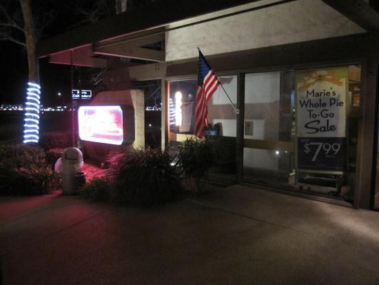 Camarillo, Kalifornien: Outside the restaurant
