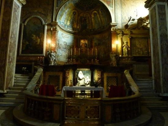 Trinita' dei Monti: Так выглядит Церковь Тринита-деи-Монти