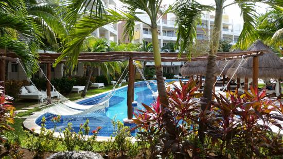 Excellence Playa Mujeres: Perfectly maintained grounds