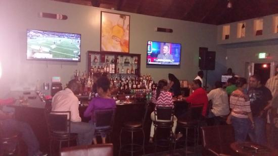 Aromas Cigar & Martini Bar: Watching the game @AromasBVI