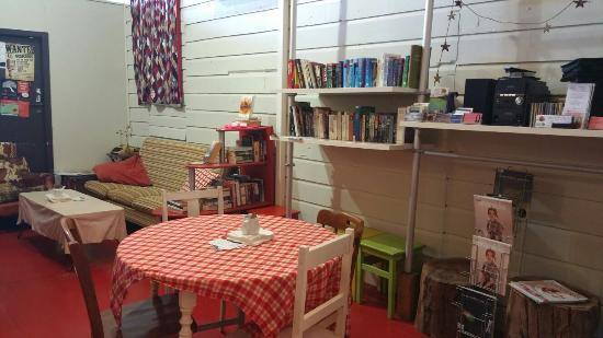 Boonah, Australië: The Story Tree where you find old fashioned service, warmth and homemade delights