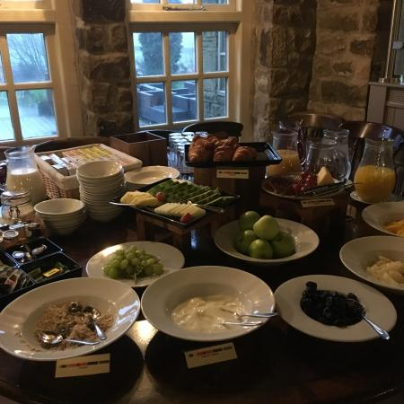 Stonedge, UK: Bountiful breakfast buffet