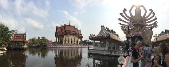 Wat Plai Laem