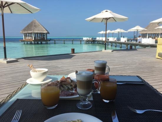 Dhonakulhi Island: Breakfast
