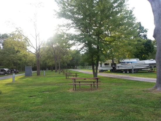 Indiana Beach & IB Crow Campground and RV Resort: Rv Sites 2