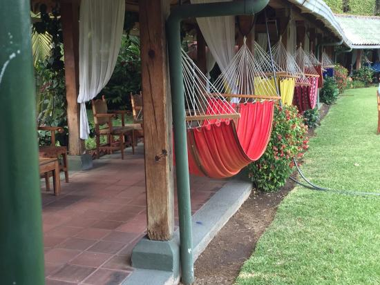 Hotel Posada de Don Rodrigo Panajachel: Beautiful - and comfortable - hammocks