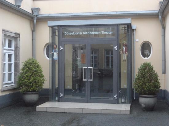 Duesseldorfer Marionettentheater: ここが劇場への入り口です
