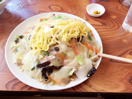 Zushi, ญี่ปุ่น: 五目揚げヤキソバ(揚げた麺がスナック菓子のように太い)