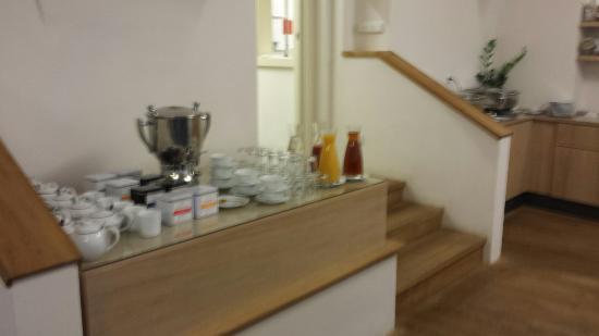 salle et buffet petit dejeuner picture of boutique hotel golden rh tripadvisor com au