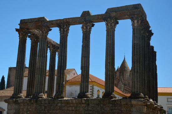 Templo Romano de Évora (Templo de Diana): tempio romano di evora