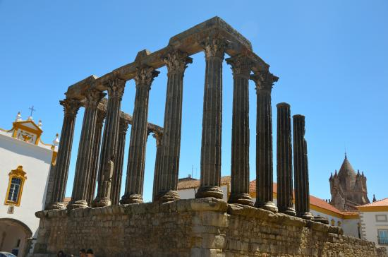 Templo Romano de Evora (Templo de Diana): tempio romano di evora