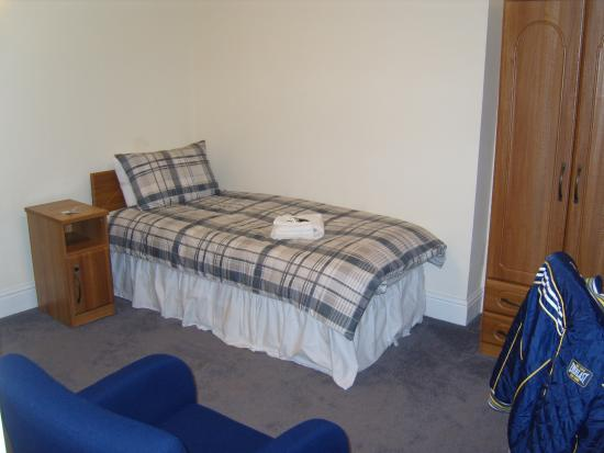 Magdalen College Accommodation: Guest bedroom at Magdalen College, Oxford Universty