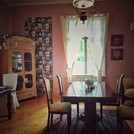 Kotka, Finlande : The dining area is downstears of the Villa. Select your own corner from different rooms!