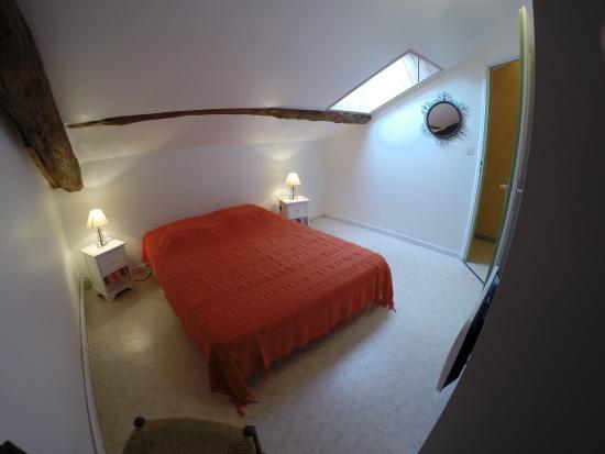 Gîtes la Grange du Cheval Blanc : Chambre gîte n°1