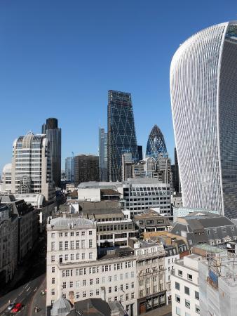 Lloyds of London: Spettacolare Lloyds con sullo sfondo il cetriolo